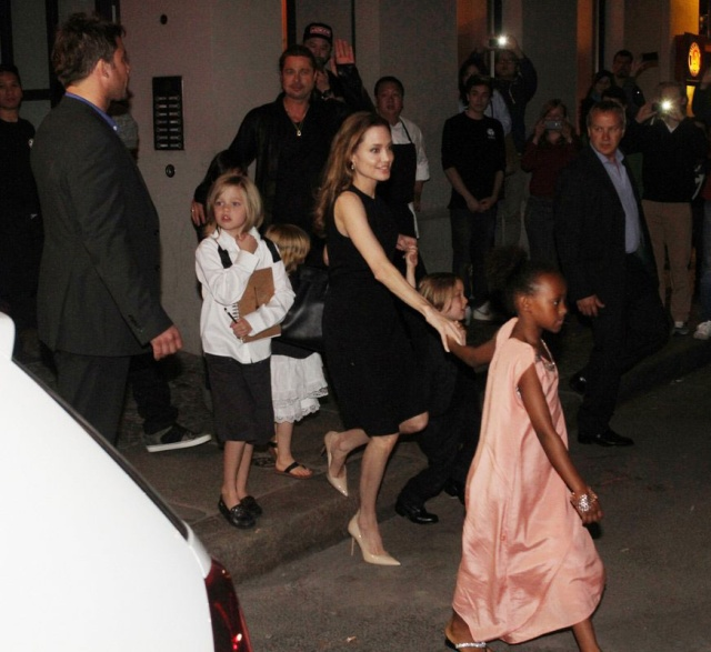Brad, Angelina and Kids Dine at Kuchi Restaurant, Berlin,Germany..June 4th 2013 00917623