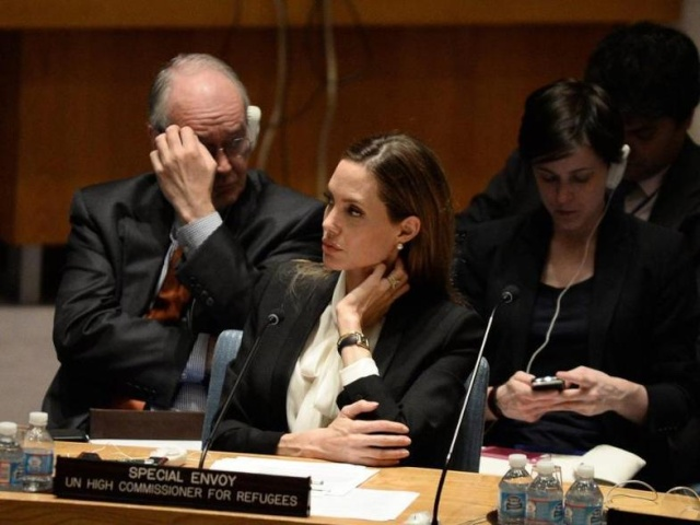 Angelina urges against rape in war zones at the UN Security Council Meeting..New York, June 24th 2013 00_pii13