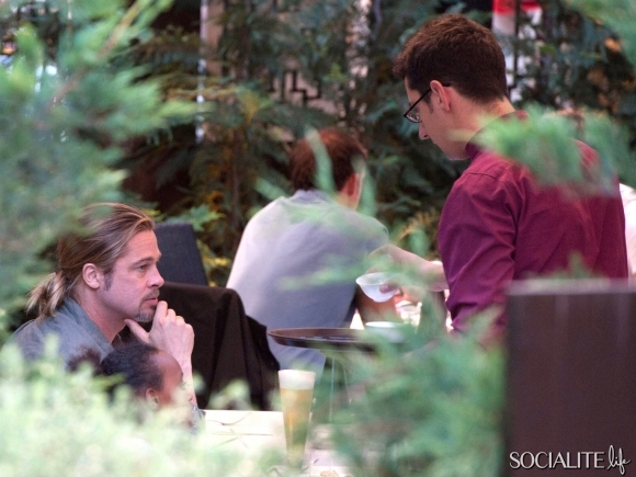 Brad, Zahara and Shiloh out for Japanese Cuisine, Madrid,Spain..June 21st 2013 016911
