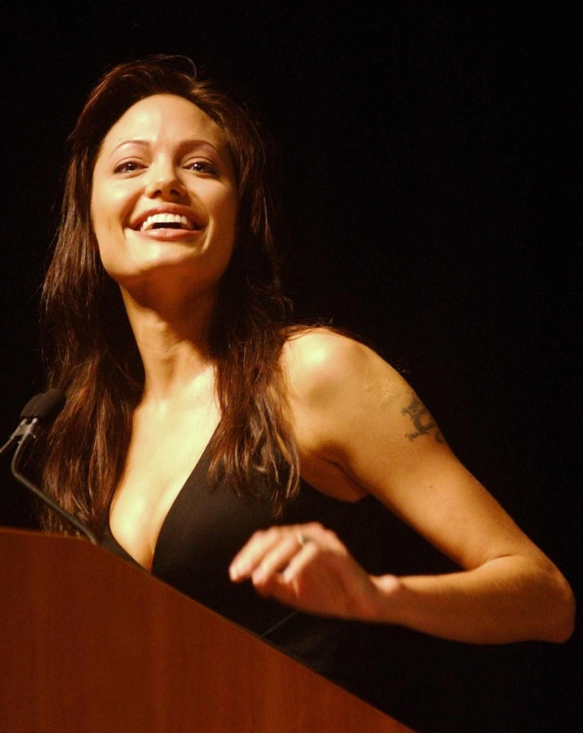 Angelina at ComicCon..July 19th 2003 0312