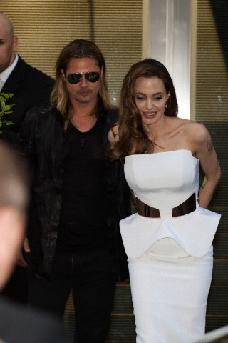 Brad and Angelina at World War Z Premiere, Sony Center..Berlin, Germany..June 4th 2013 - Page 2 04111317