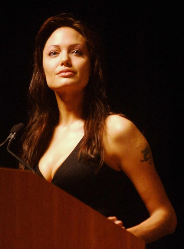 Angelina at ComicCon..July 19th 2003 0412