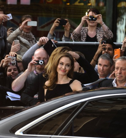 Brad and Angelina at World War Z Premiere..Leicester Square, London..June 2nd, 2013 - Page 3 0712
