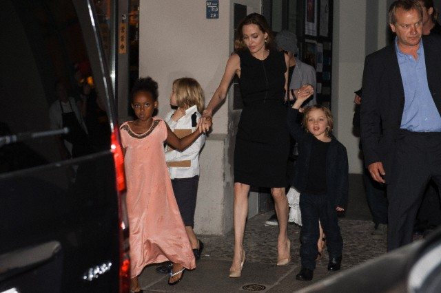 Brad, Angelina and Kids Dine at Kuchi Restaurant, Berlin,Germany..June 4th 2013 0_22_c10