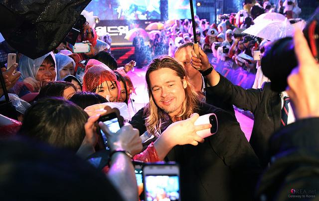 Brad at World War Z Premiere Seoul,South Korea..June 11th 2013 0_316