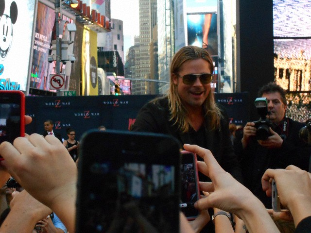 Brad at World War Z Premiere, New York..June 17th 2013 0_41_c12
