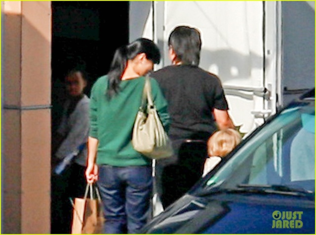 Angelina and Kids Airport Sighting..Berlin,Germany..June 5th 2013 0_514