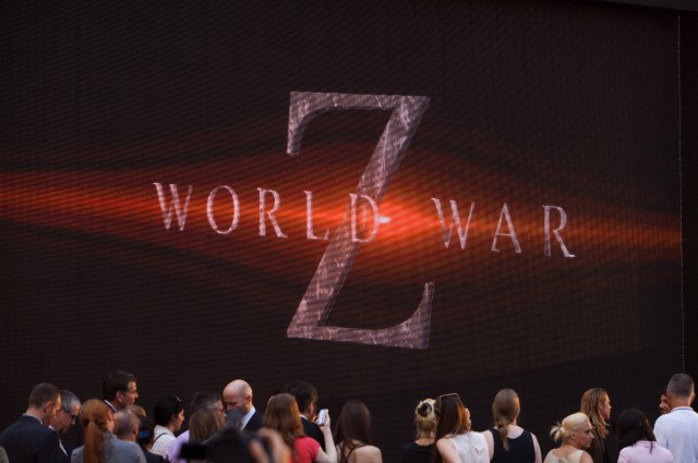 Brad at World War Z Premiere, New York..June 17th 2013 0_52_c12