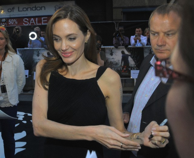 Brad and Angelina at World War Z Premiere..Leicester Square, London..June 2nd, 2013 - Page 3 1973-v10