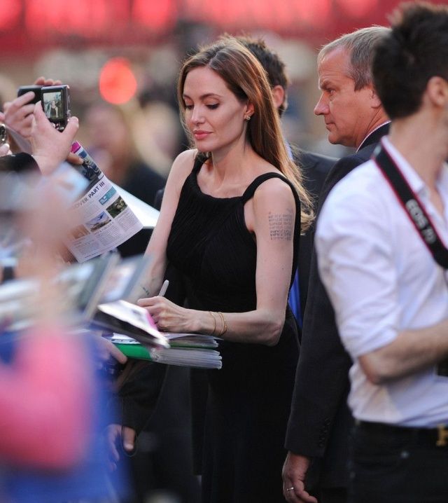 Brad and Angelina at World War Z Premiere..Leicester Square, London..June 2nd, 2013 - Page 3 1c82f312