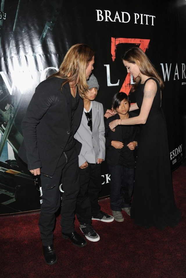 Brad and Angelina at World War Z Premiere..Leicester Square, London..June 2nd, 2013 - Page 3 1d11b117