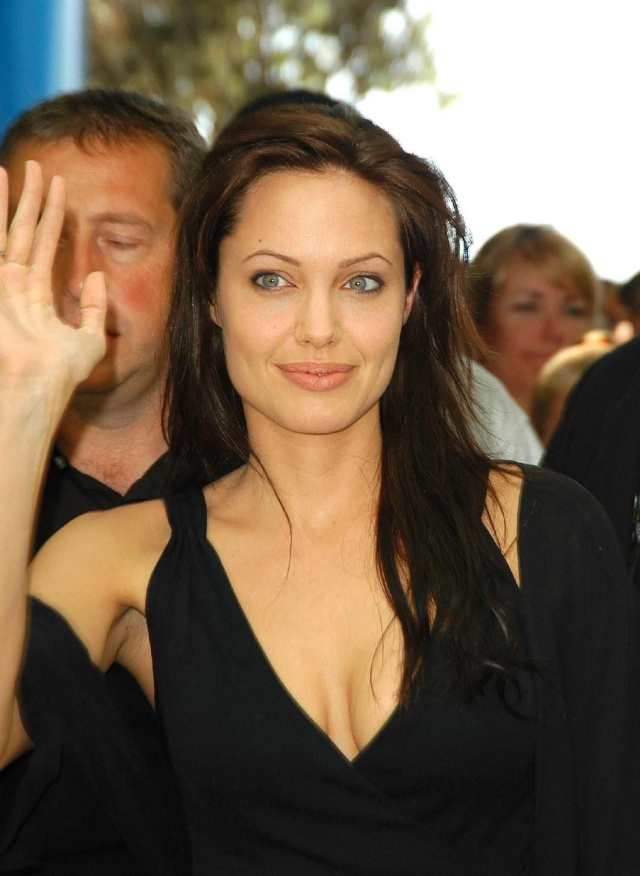 Angelina at ComicCon..July 19th 2003 2ba16415