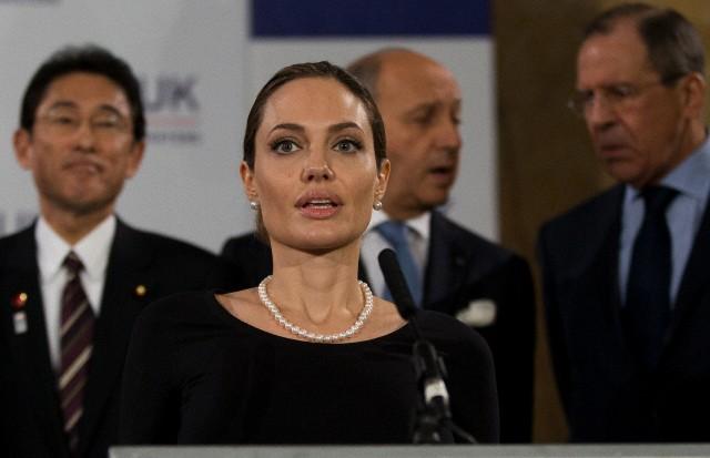 Angelina at G8 Summit..April 11th 2013 3d1e3e10