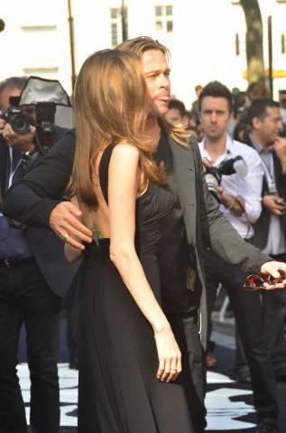 Brad and Angelina at World War Z Premiere..Leicester Square, London..June 2nd, 2013 - Page 3 6169_229