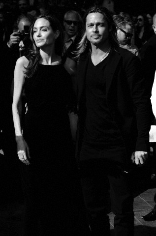 Brad and Angelina at World War Z Premiere..Leicester Square, London..June 2nd, 2013 - Page 2 Kgrhqf18