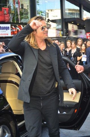 Brad and Angelina at World War Z Premiere..Leicester Square, London..June 2nd, 2013 - Page 2 Kgrhqf22