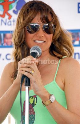 Lucy spéciale : lunettes de soleil =D Kmo10
