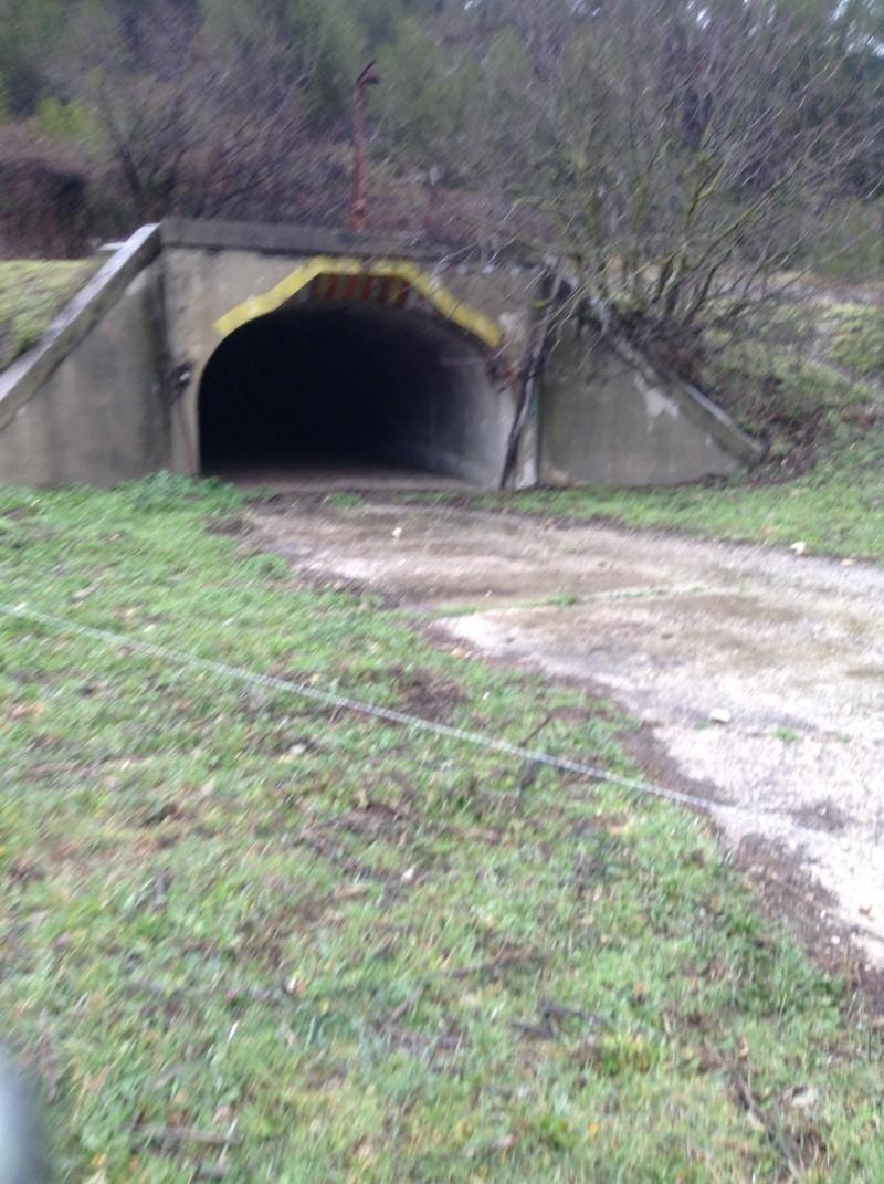 urbex , exploration d'un tunnel de munitions de la 1 guerre mondial .region paca en photo. Img_0011