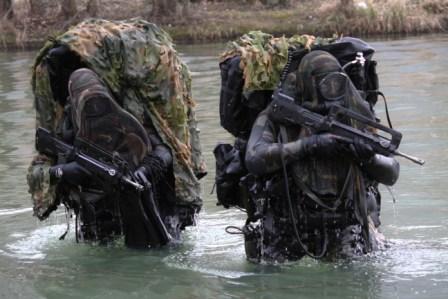 les plongeurs du 2 reg a l'entrainement (2013) Img_8410