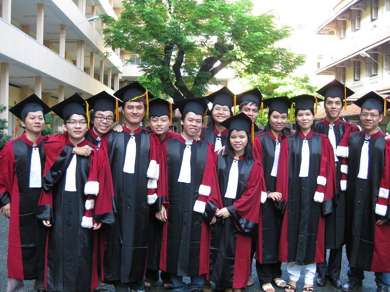 Hình tốt nghiệp của lớp Img_2415