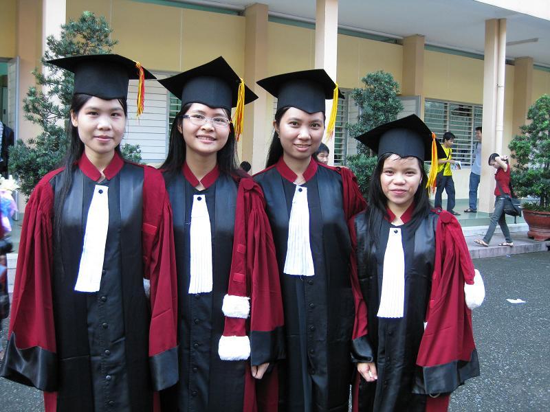 Hình tốt nghiệp của lớp Img_2416