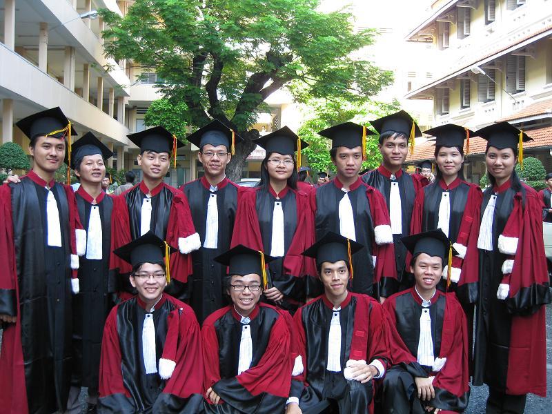 Hình tốt nghiệp của lớp Img_2419