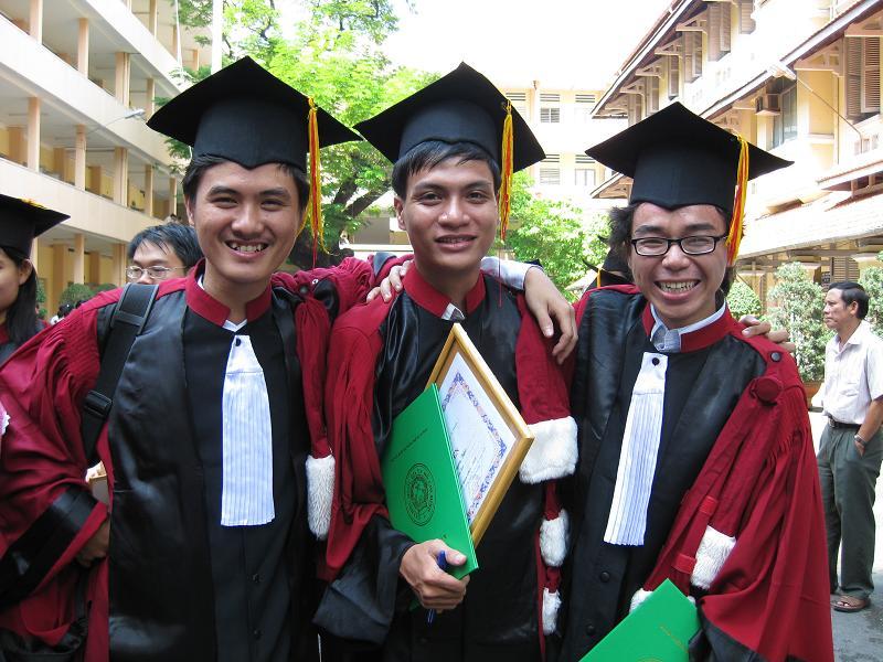 Hình tốt nghiệp của lớp Img_2420