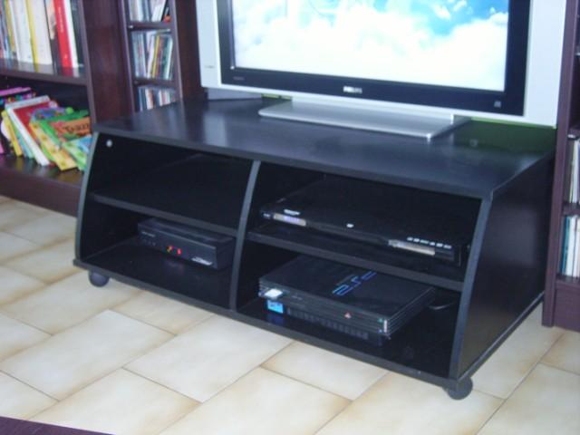 meuble tv sur mesure simple et pas cher. Black Bedroom Furniture Sets. Home Design Ideas