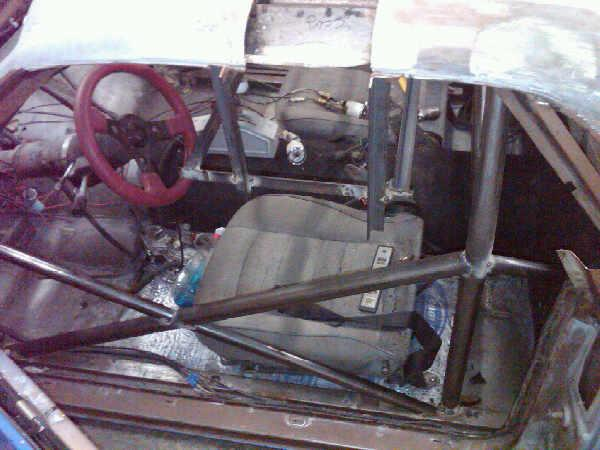 Pictures of El Camino roll cage install 210