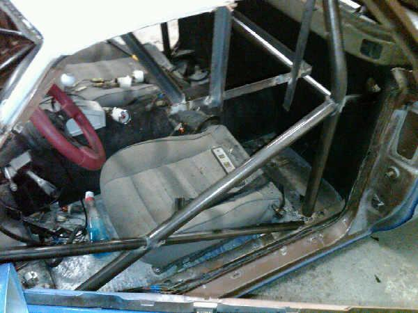 Pictures of El Camino roll cage install 310
