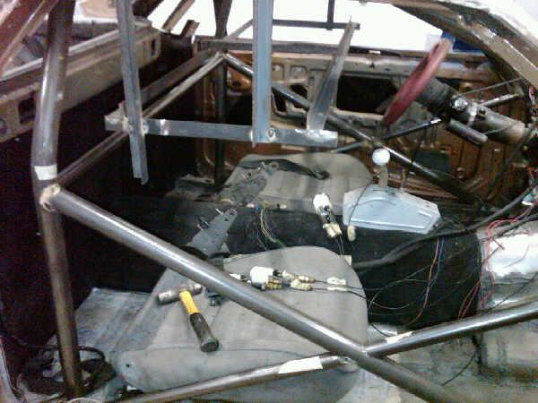 Pictures of El Camino roll cage install 510