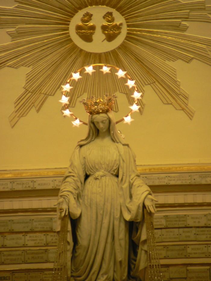 LES APPARITIONS DE MARIE A LA RUE DU BAC à Sainte Catherine Labouré P1030810