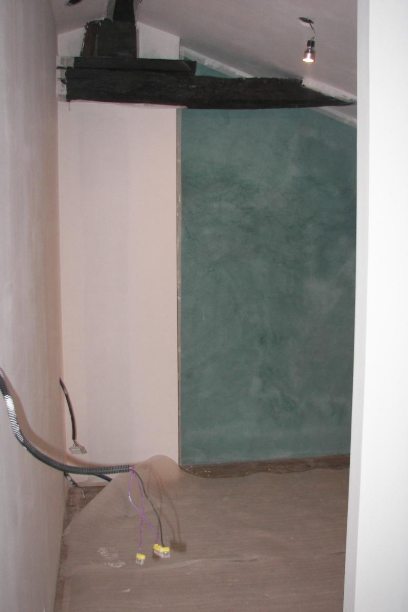 Besoin d'aide pour peinture d'une chambre mansardée 100_4711