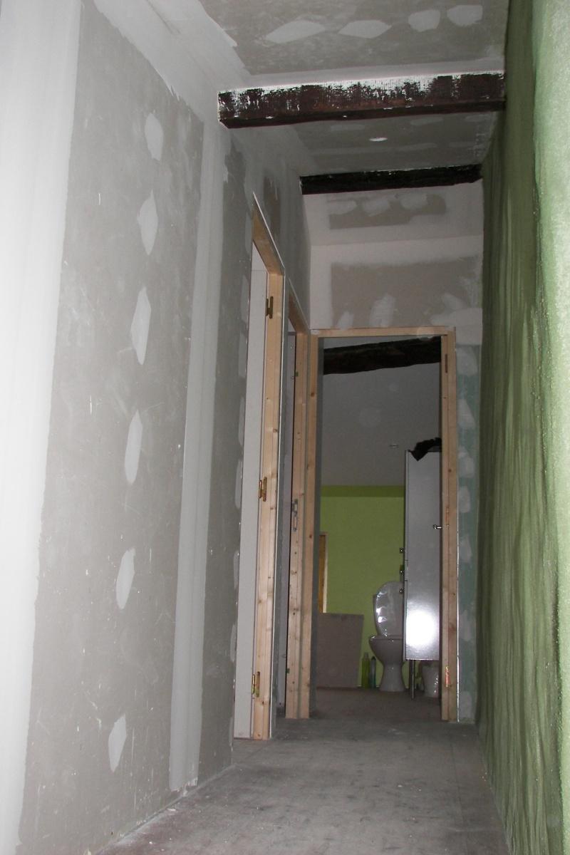 Besoin d'aide pour peinture d'une chambre mansardée 100_4713