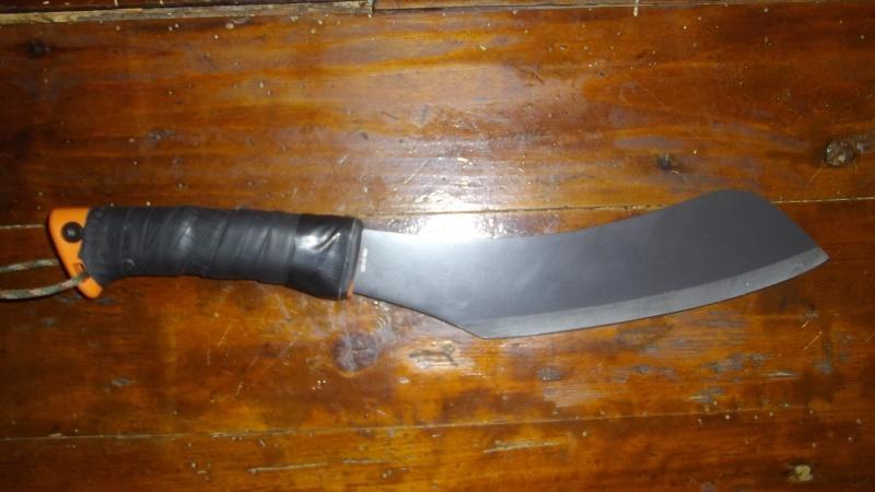 Quels couteaux de survie choisiriez vous? - Page 4 00411