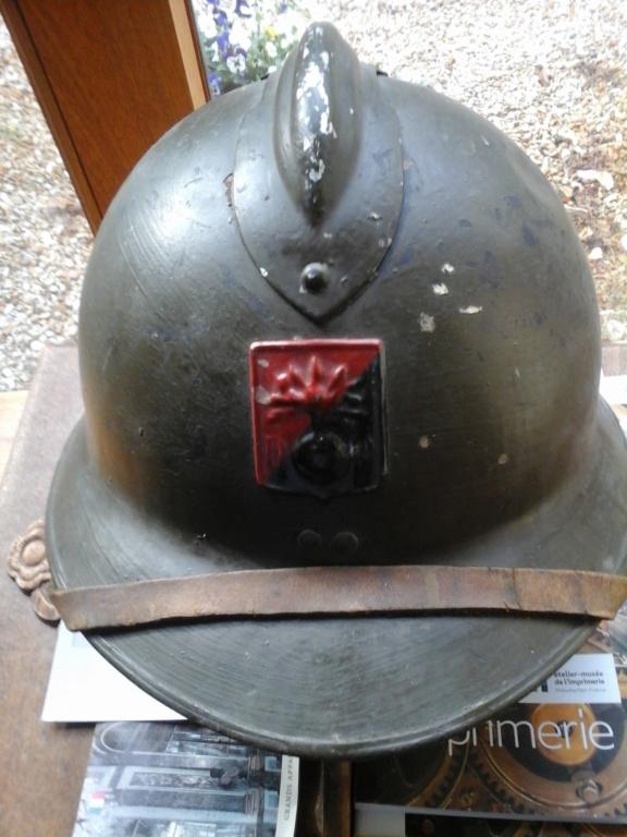 adrian 1926 insigne rouge et noir et adrian croix rouge 1914 20181011