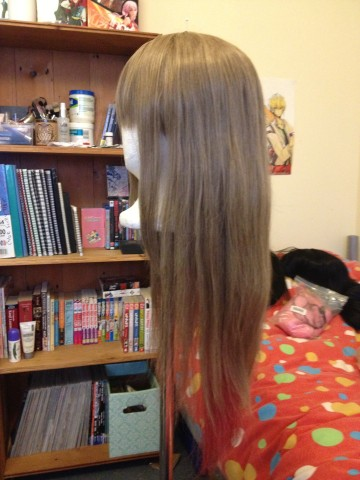 [Seller] Buttloads of wigs, clothes, and other sh-tuff UPDATED 14/10/2013 Butts_23