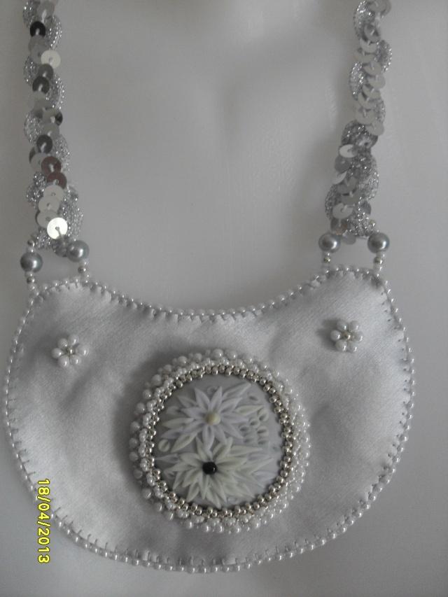 mes créations bijoux lithothérapie - Page 2 Sdc11115
