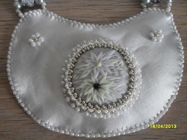 mes créations bijoux lithothérapie - Page 2 Sdc11119