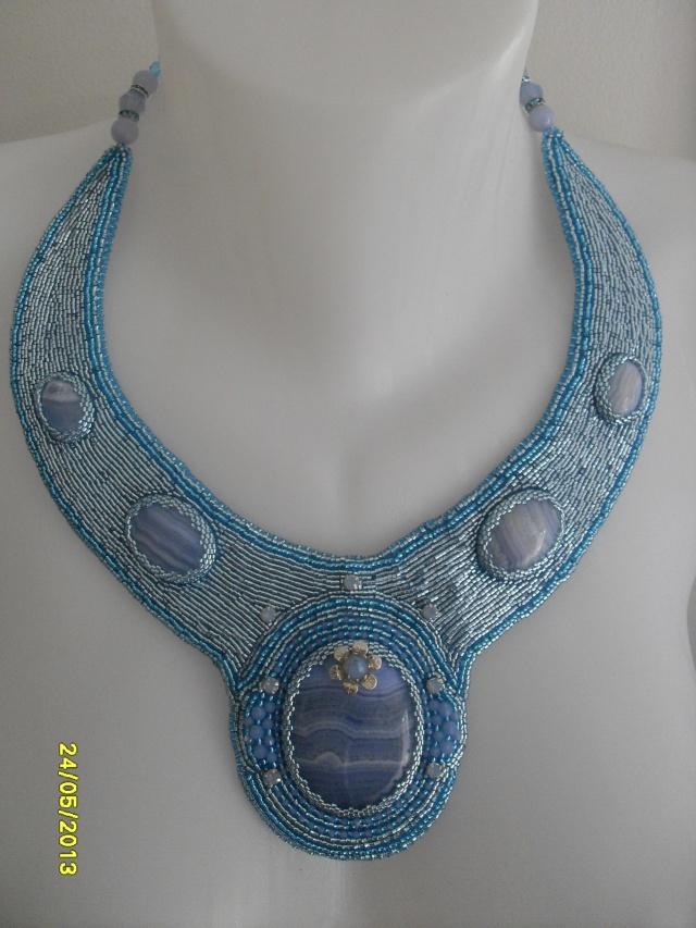 mes créations bijoux lithothérapie - Page 2 Sdc11413