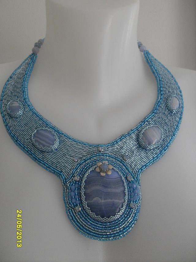 mes créations bijoux lithothérapie - Page 2 Sdc11414