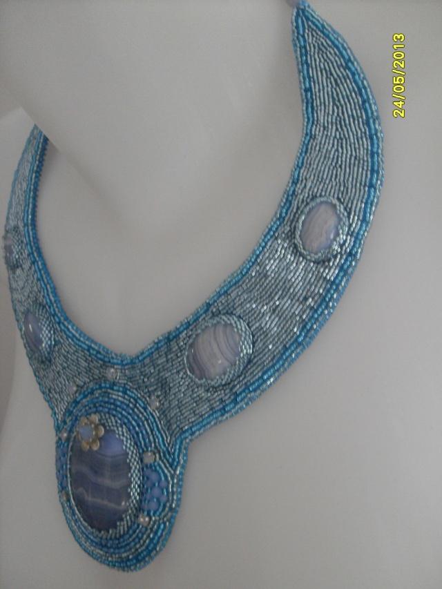 mes créations bijoux lithothérapie - Page 2 Sdc11418