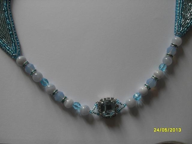 mes créations bijoux lithothérapie - Page 2 Sdc11420