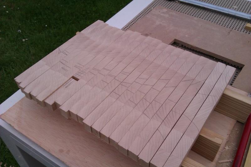 Planche à découper en bois de bout Imag1518