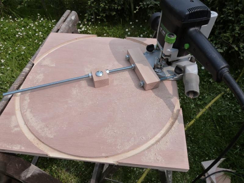 [Fabrication] Scie à ruban en bois - Page 2 P1040436
