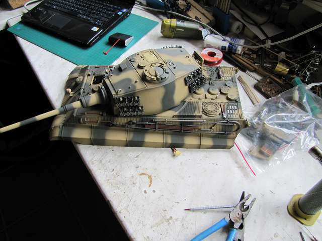 A King Tiger tank with real reduction gears, brushless motor 14418111