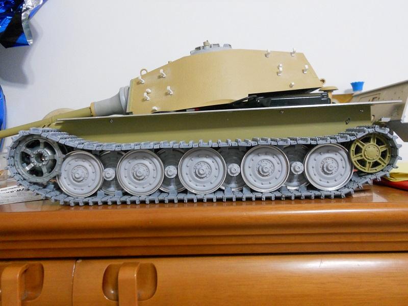 WIP Panzerkampfwagen VI Tiger II Ausf. B Königstiger Sd.Kfz.182 Tamiya di CPT America - Pagina 11 King_t22