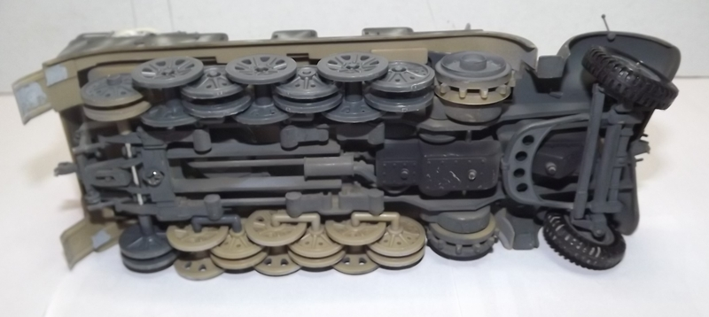 sdkfz - sdkfz 8 t + 8,8 cm flack 37 tamiya Sdkfz_13