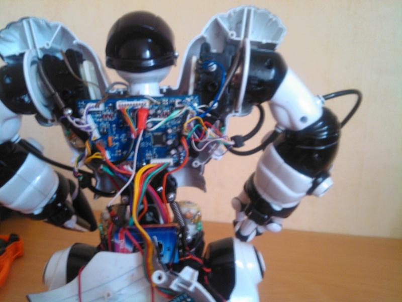 hack de mon RobotSapien ( seb03000 ) Img_2012