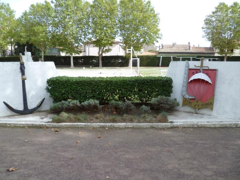 Stèle du général BIGEARD à Carcassonne et caserne Lapérine. 2012-113